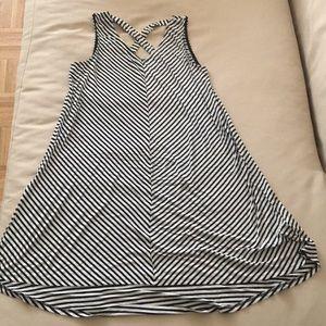 NWOT striped sundress w/crisscross back 🖤